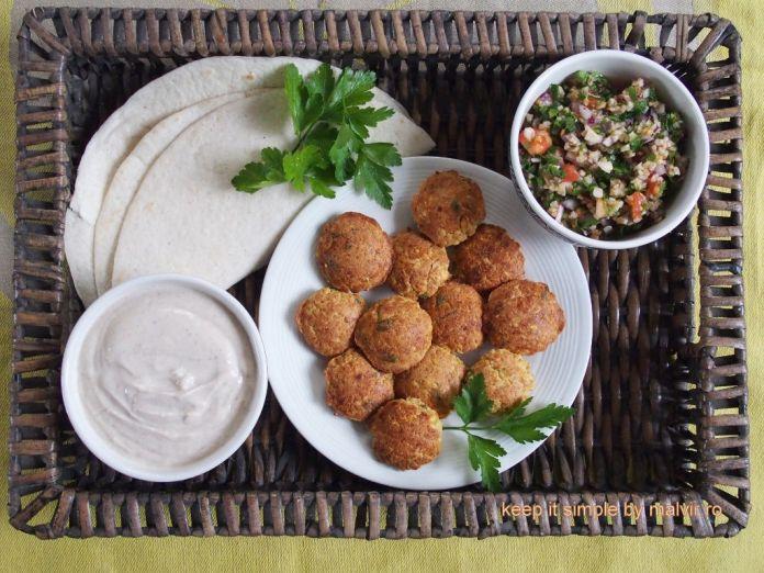 servire falafel