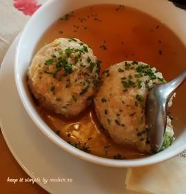supa cu galuste de branza