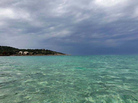Cautand o femeie serioasa in Corsica)
